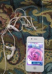 Продам Мобильный телефон iPhone 4G (W99)